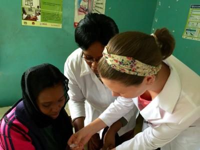Student_Gives_Rotavirus_Vaccine