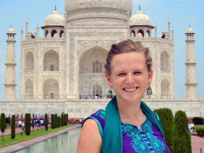 Julia_at_Taj_Mahal