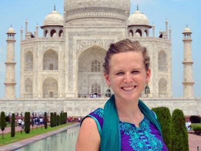 Julia_at_Taj_Mahal