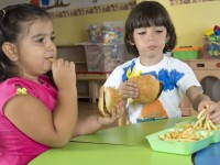 Children_Eating_Fries